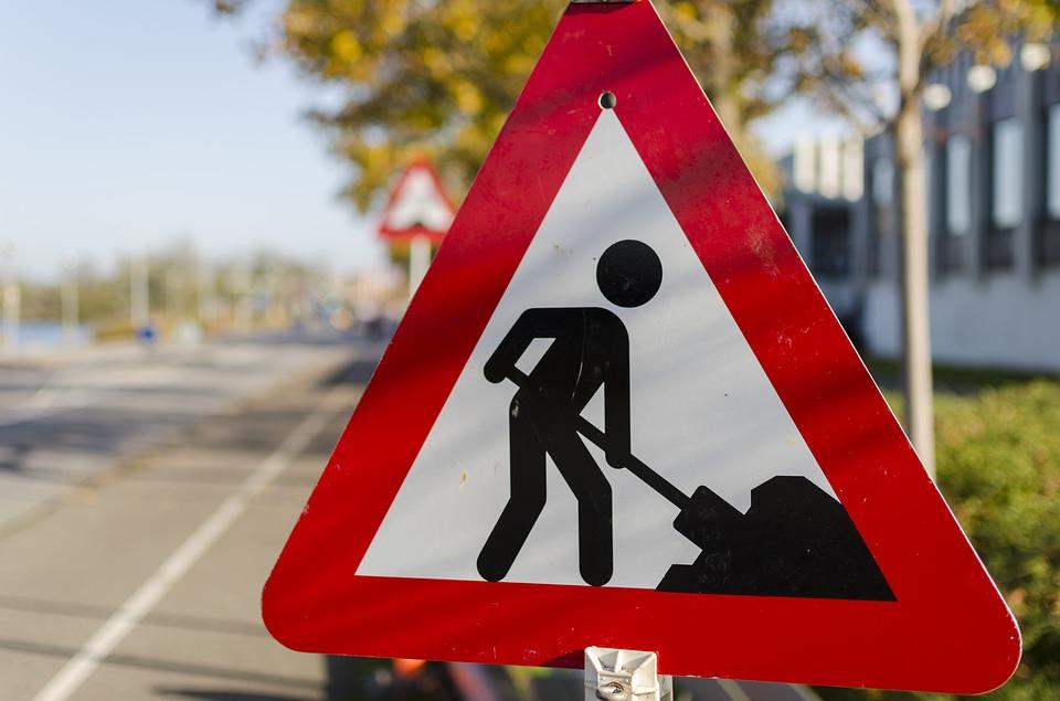 Lavori stradali in corso Bernacchi